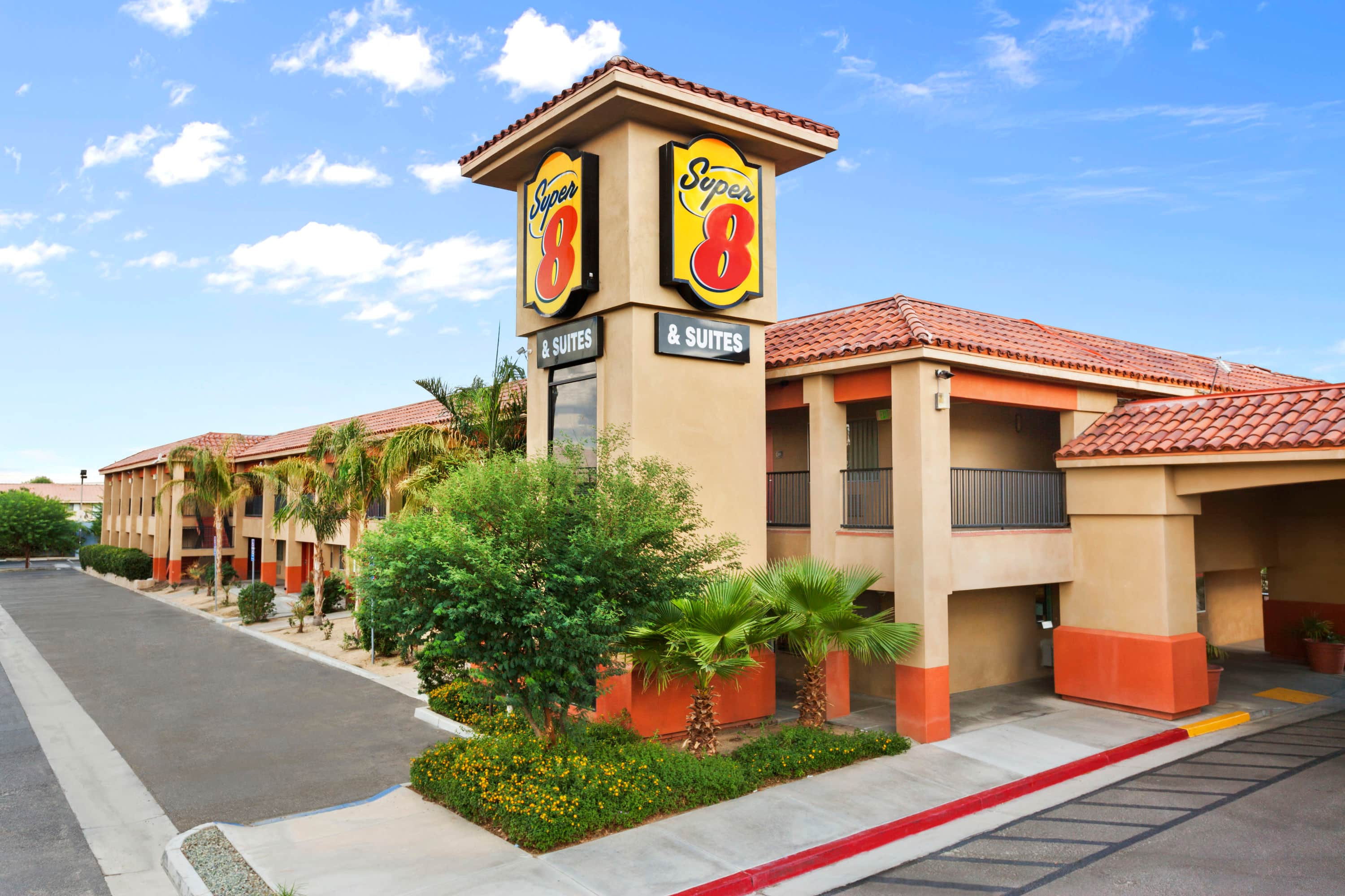 Super 8 By Wyndham Indio Indio Ca Hotels