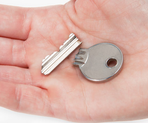 Remove broken key | Wynns locksmith