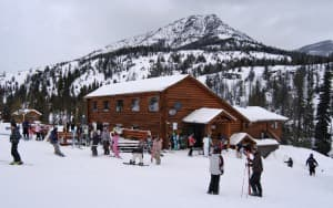 Sleeping Giant ski lodge and skiers