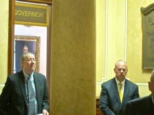Halliburton CEO David Lesar (left) and Gov. Matt Mead (R) in the rotunda of the state Capitol. (WyoFile/Gregory Nickerson — click to enlarge)