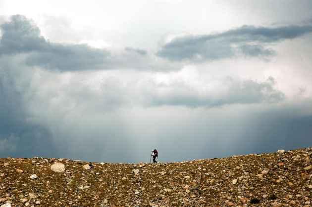 A hiker on Paintbrush Divide. (Mor/Flickr — click to enlarge)