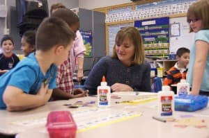 Superintendent of Public Instruction Cindy Hill visits students in a Wyoming classroom. (Wyoming Department of Education — click to enlarge)