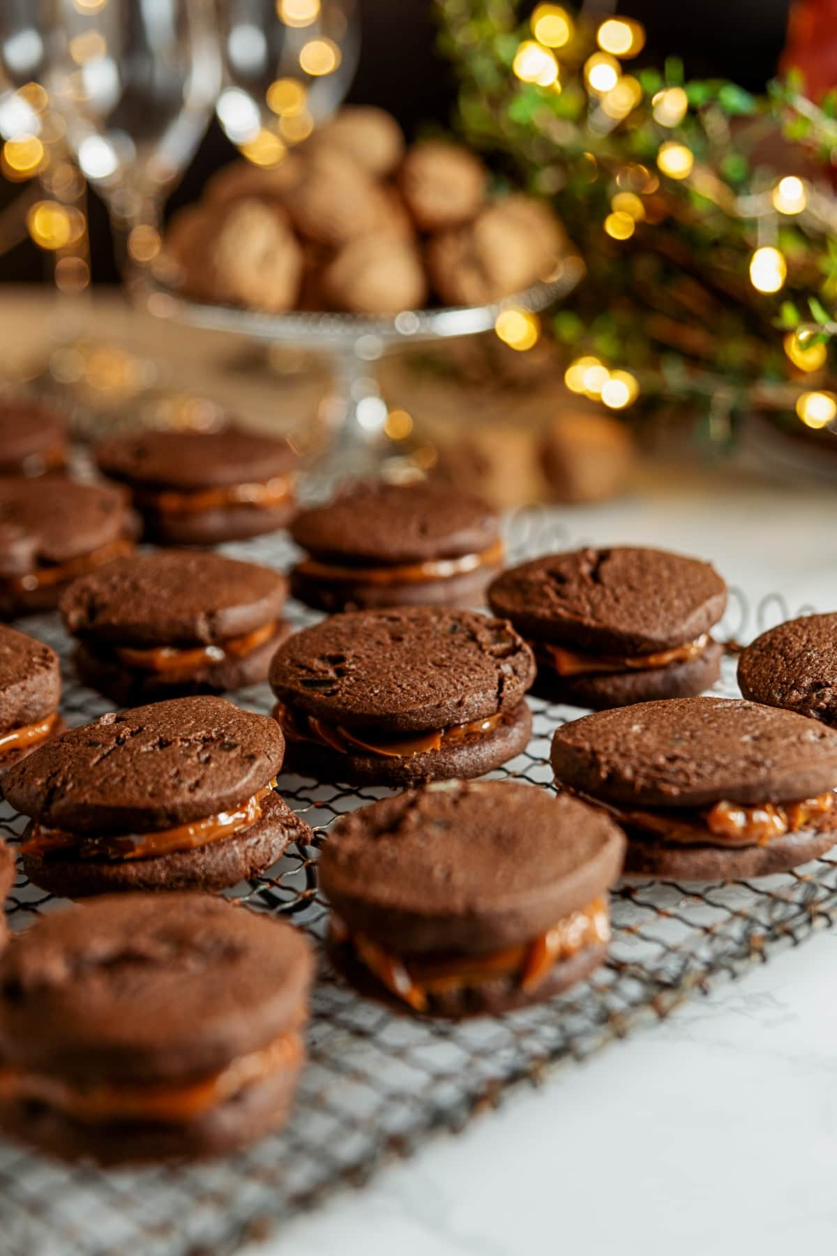 Chocolate, Ginger + Dulce de Leche Sandwich Cookies | Wyse Guide