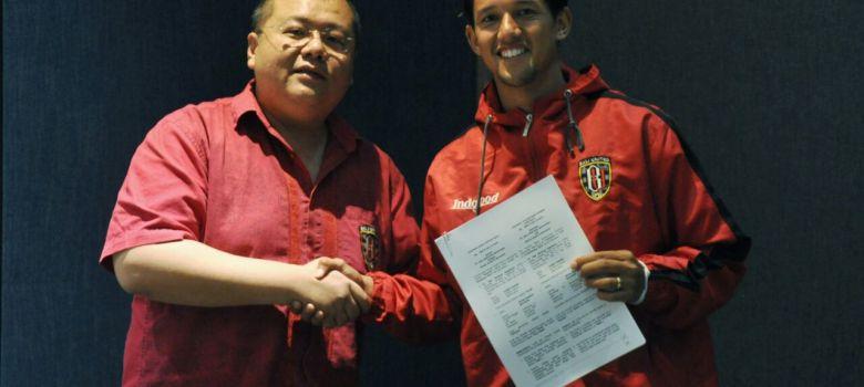 Loyalitas Irfan Bachdim Perpanjang Masa Bakti Di Bali United