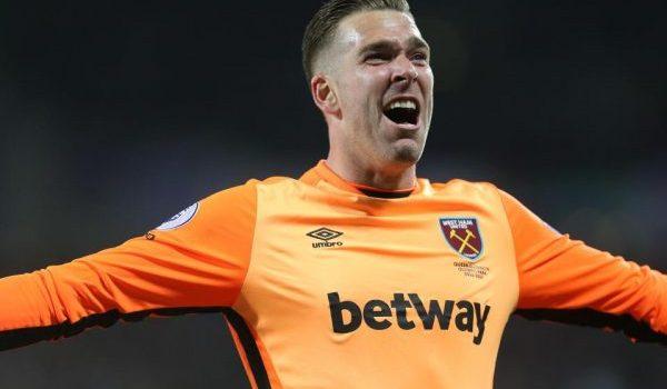 Adrian Diprediksikan Bakal Menjadi Kiper Utama West Ham