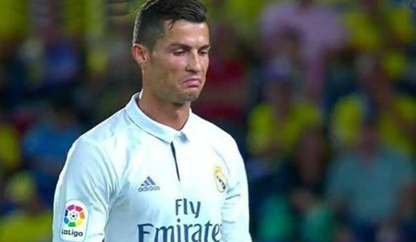 Ini Alasannya Cristiano Ronaldo Ditarik Keluar Tadi Malam