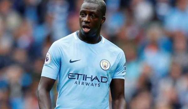 Pep Tak Mau Terburu Mainkan Bek Kiri Manchester City Ini