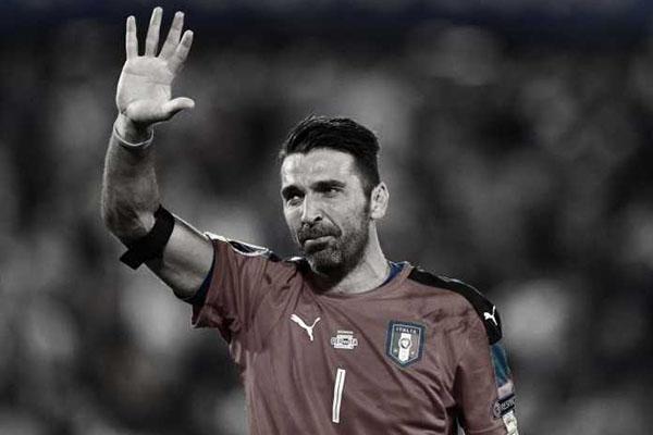 Gianluigi Buffon Emosi Balas Kritik Jadi Kiper Timnas Italia