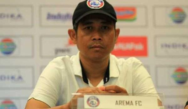 Joko Susilo Ikut Kursus Pelatih Arema FC Cari Pelatih Baru