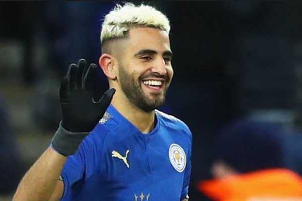 Riyad Mahrez Tetap di Leicester City Walau Tak Jelas