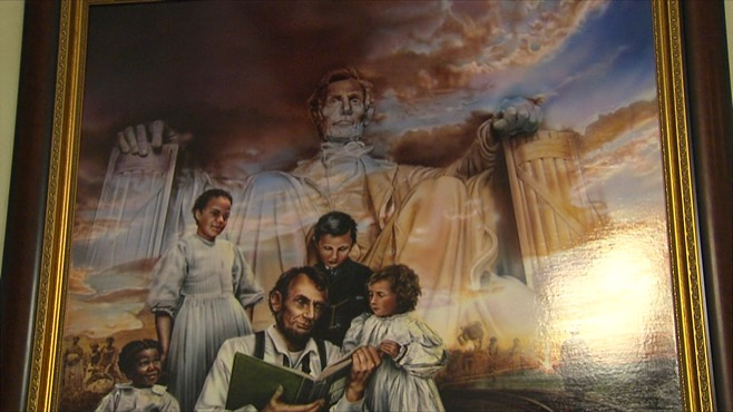Lincoln painting unveiled in Youngstown_46037