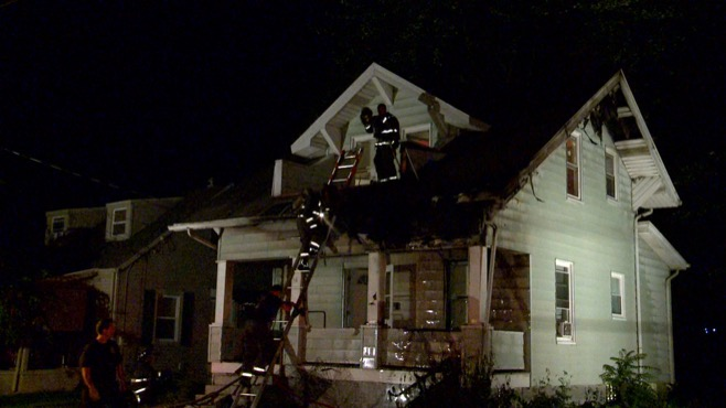 Fire destroys vacant house in Youngstown_49527
