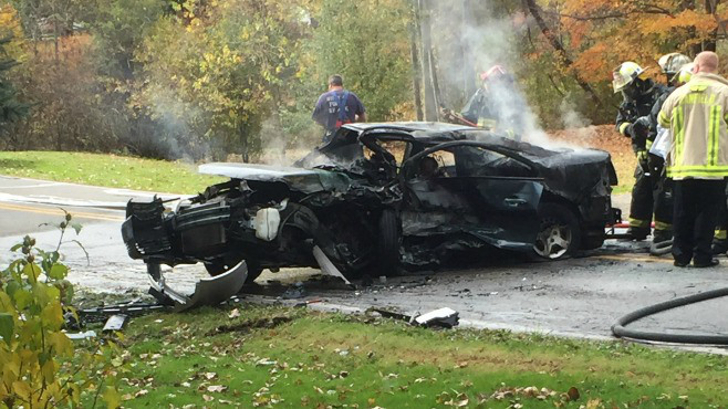 Crash kills one in Canfield_56342
