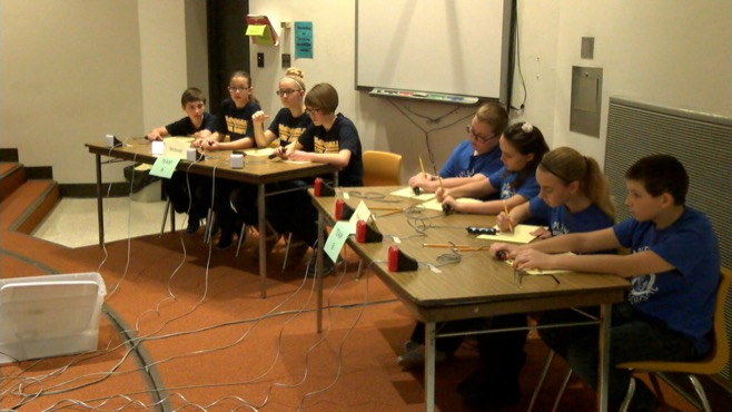 Students compete in academic bowl in Lordstown_66131
