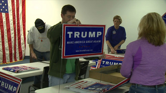 Trump supporters campaign in Mahoning County_68265