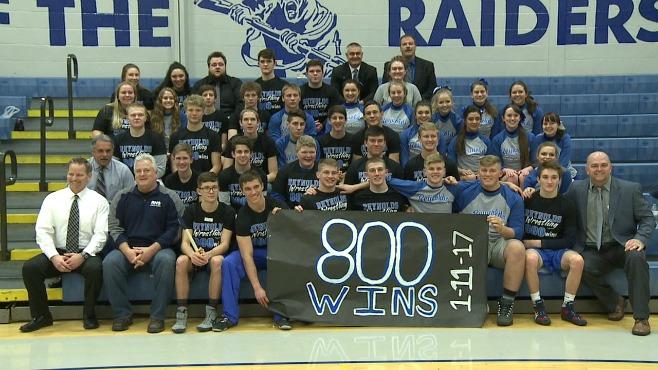 Reynolds wrestling captures 800th match win_107073