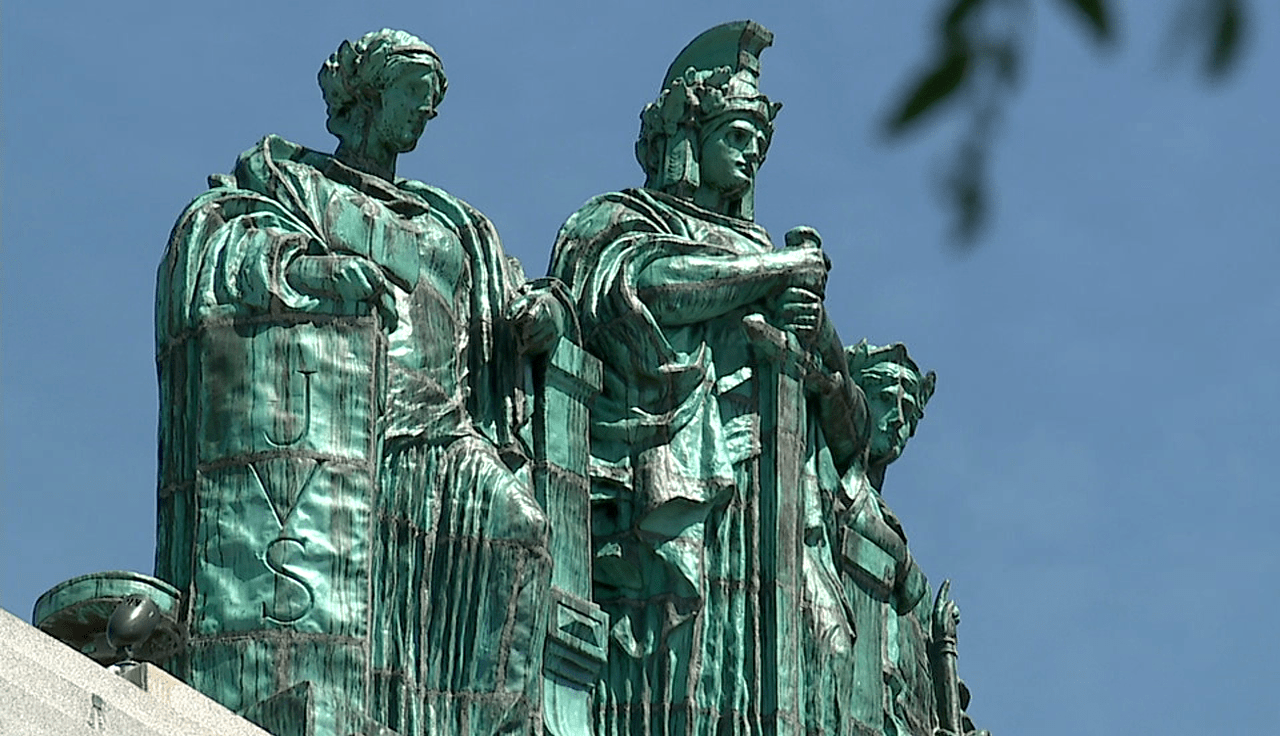 Mahoning County Courthouse statues