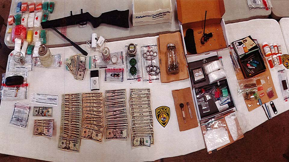 Newton Falls Police: Suspected drugs, weapons, cash seized