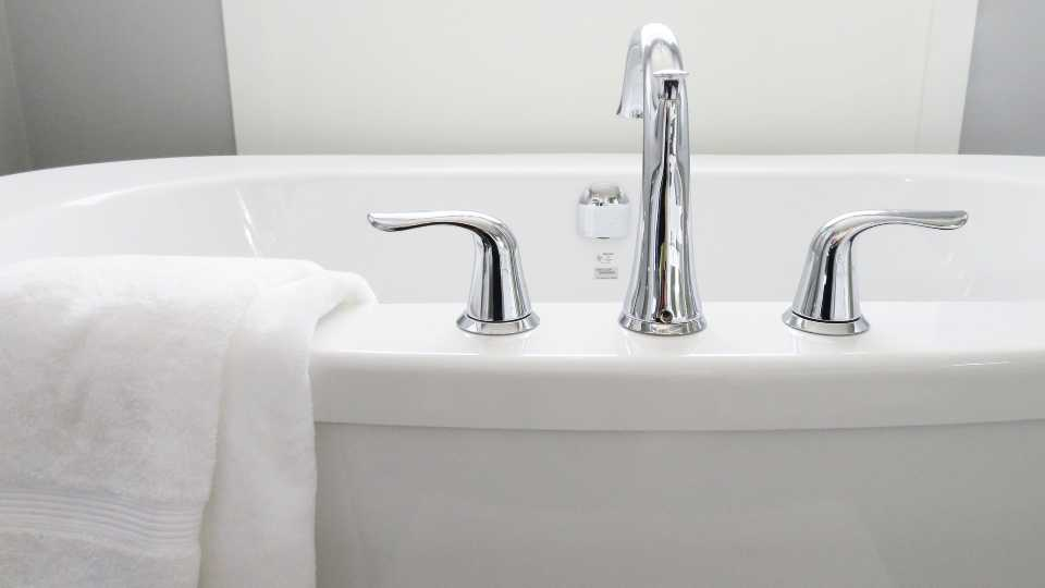 Bathtub generic.