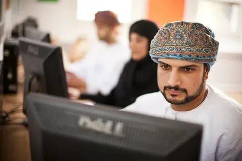 دكاترة جامعات للعمل في عمان