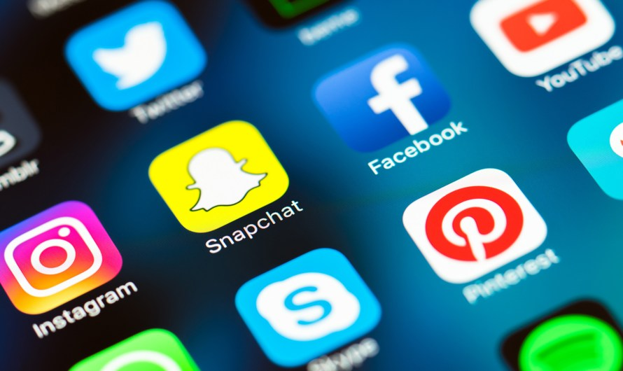 Snapchat Developing Option to Share Content Outside the App
