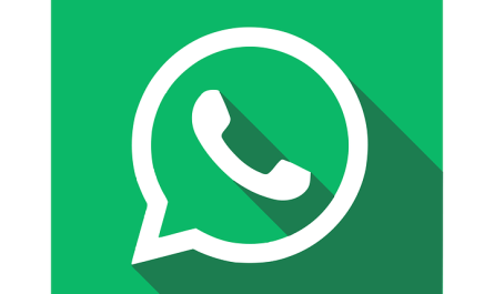 WhatsApp group chat private replies
