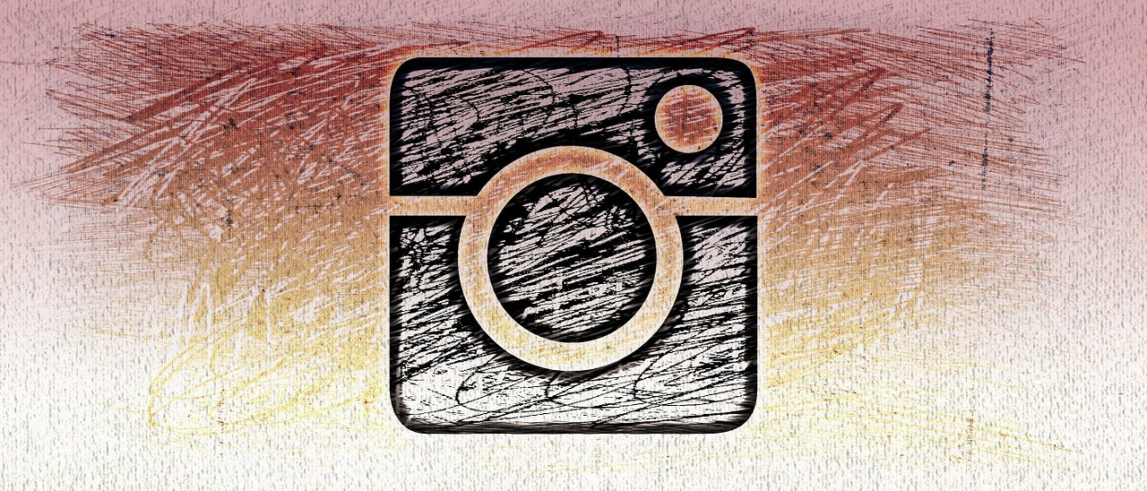 Instagram tests hiding like count