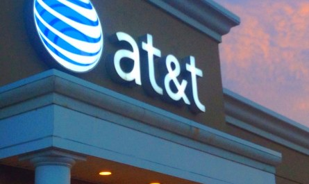 ATT call validation system will identify spoofed robocall for some Android phones