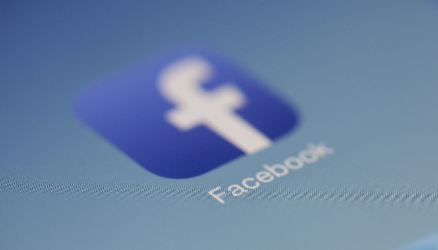 Facebook user location tracking