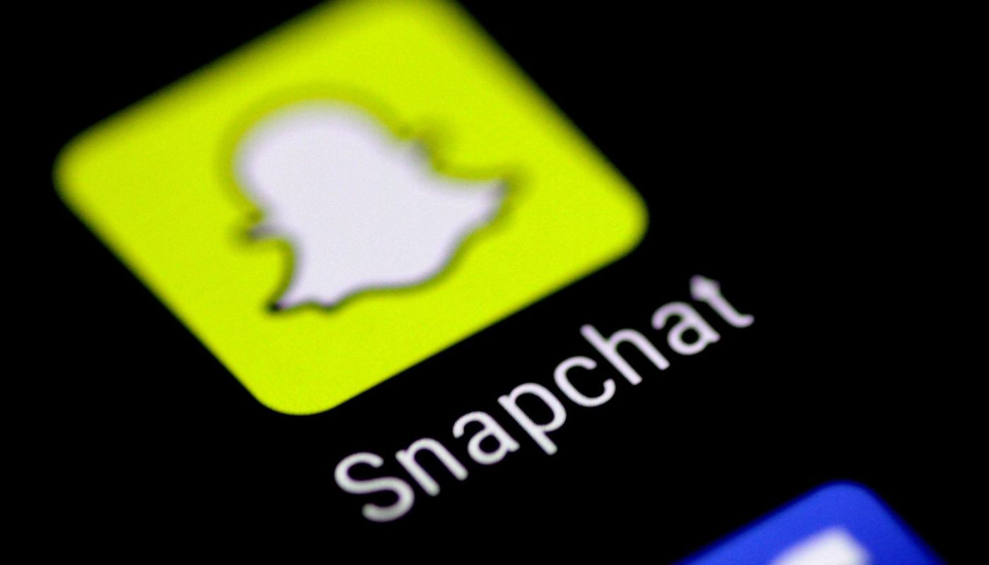 Snapchat-to-Test-Making-Public-Content-Viewable-Outside-its-Ap