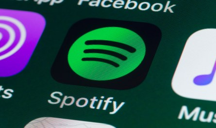 Spotify-Now-Supports-Searching-for-Songs-by-Lyrics