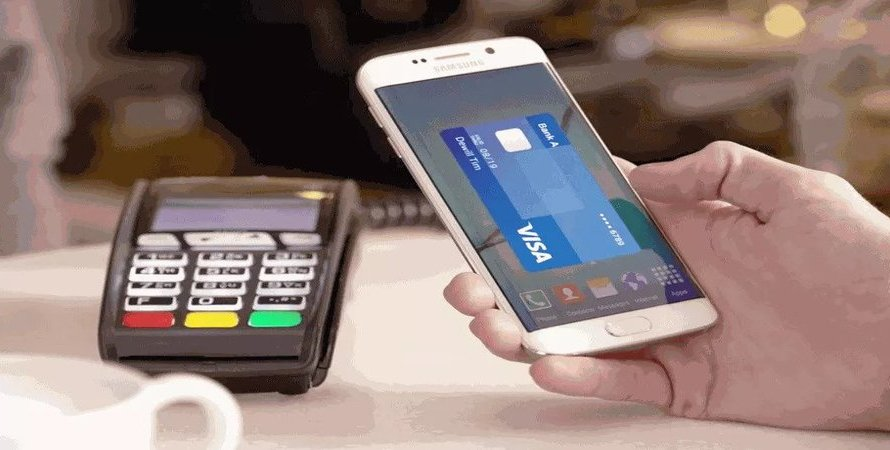 Galaxy 21 Owners Won't Have Access to One of Samsung Pay's Best Features