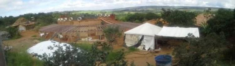 Foto panorâmica da construção do Espaço Educador Chico Mendes