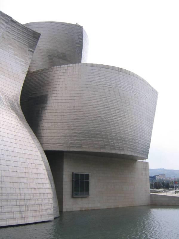 Guggenheim Museum Bilbao & Video - Xarj And