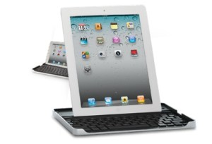 Le Logitech Keyboard Case conçu par Zagg.