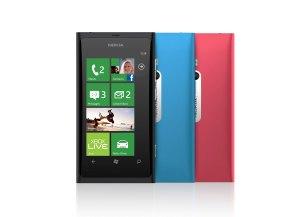 Le Windows Phone Nokia Lumia 800.