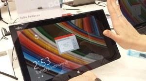 Fujitsu propose l'authentification par la paume et les veines de la main sur une tablette.
