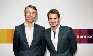 Le champion de tennis Roger Federer en compagnie de Libor Voncina, CEO de Sunrise.