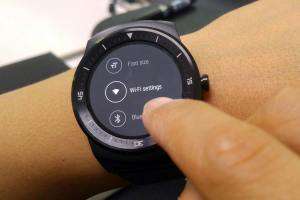 La LG G Watch R enfin compatible Wi-Fi.