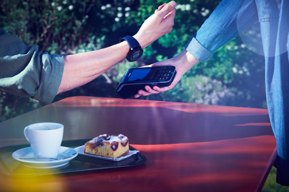 La Gear S3 devient compatible avec Samsung Pay en Suisse.