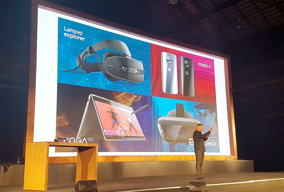 Les nouveaux produits de Lenovo présentés à l'IFA 2017, dont le casque Explorer.
