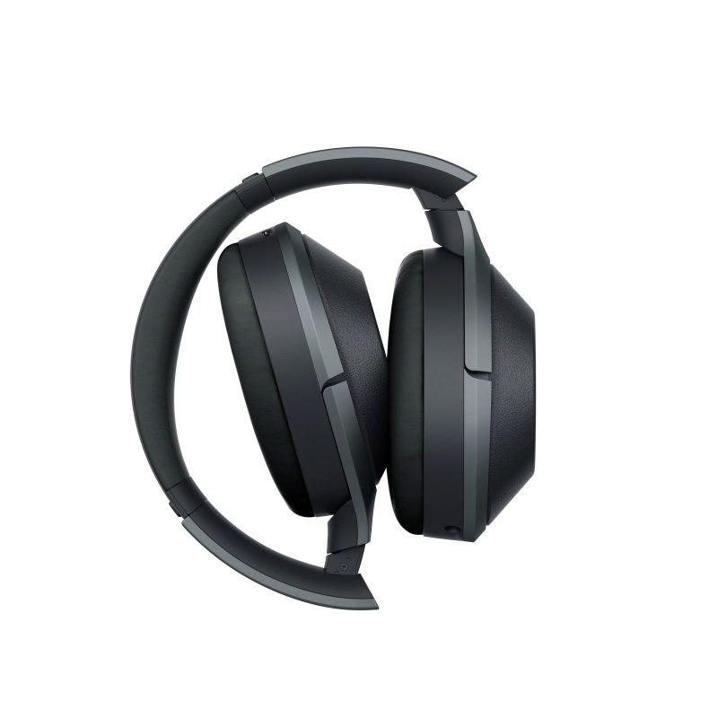 Le Sony WH-1000XM2 possède une oreillette tactile en plus d'être pliable.