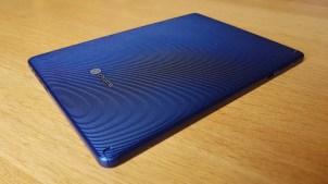 L'Acer Chromebook Tab et son dos structuré.