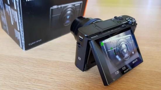 Sony RX100 VI: un écran tactile et inclinable.