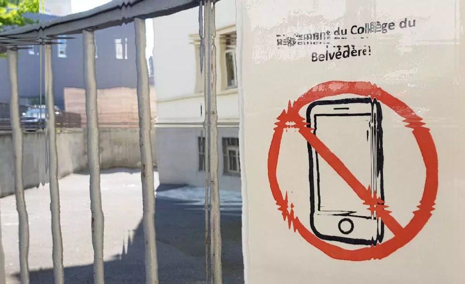 Limiter l'usage du smartphone: une évidence. L'interdire? Un manque de culture numérique assourdissant.