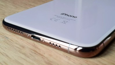 Le port lightning de l'iPhone Xs Max.