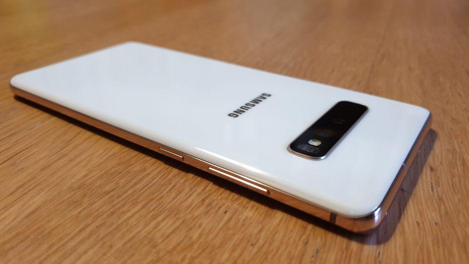 Le dos céramique du Samsung Galaxy S10+.