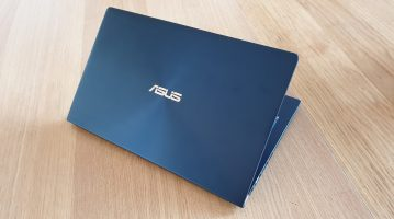 L'Asus Zenbook 14 est disponible en deux couleurs.