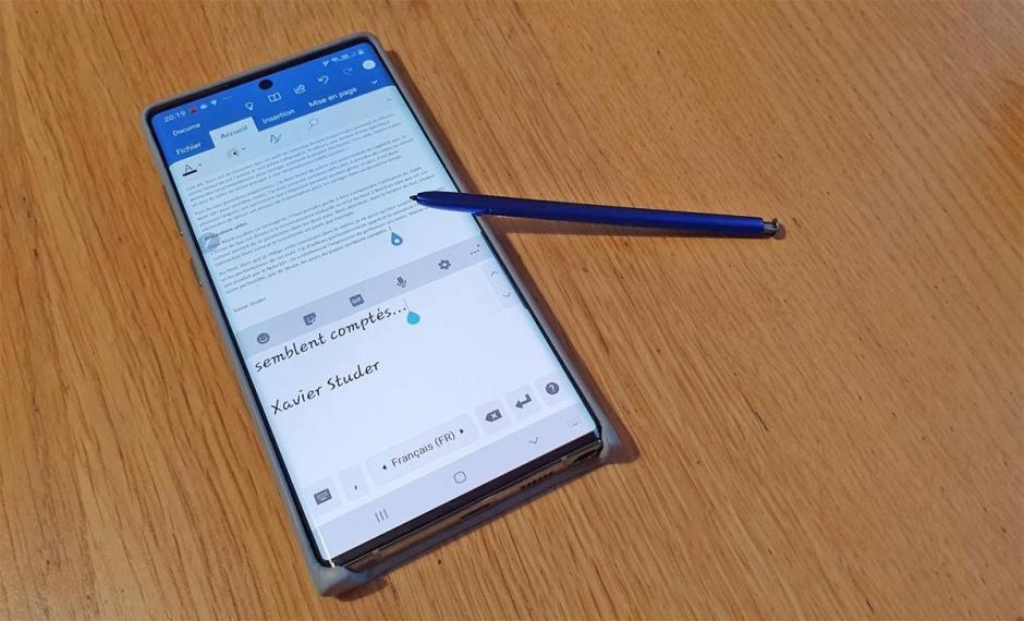 Saisie manuscrite: le Samsung Note 10+ sur le gril.