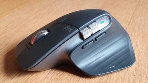 La souris Logi MX Master 3 et sa nouvelle molette latérale en alu.